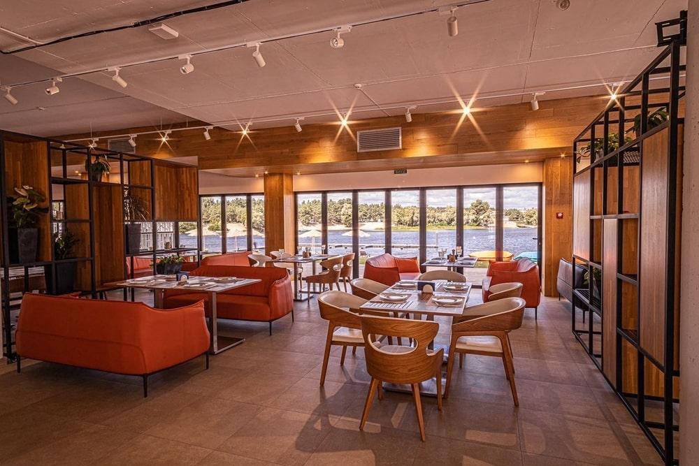 Restaurant with orange and wooden details