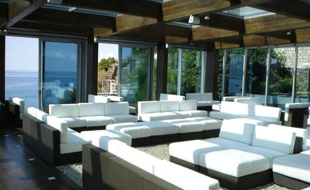 m9200-lounge