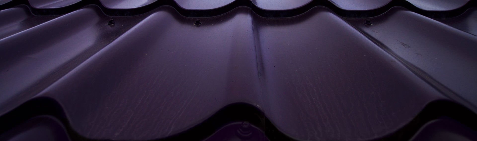 Aluminium roof tiles in purple colour