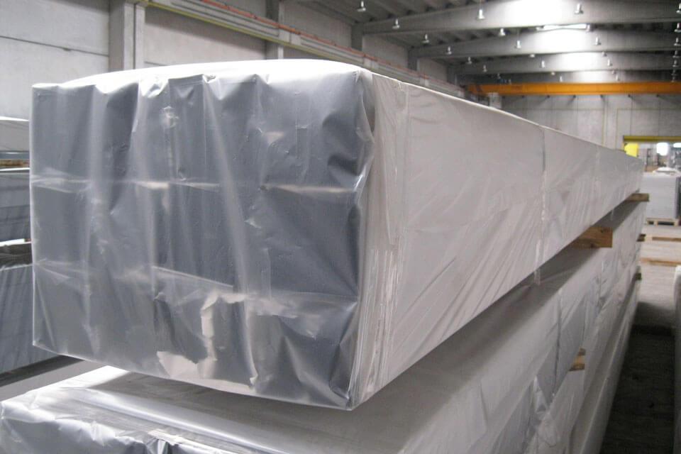 Plastic-Wrap-material